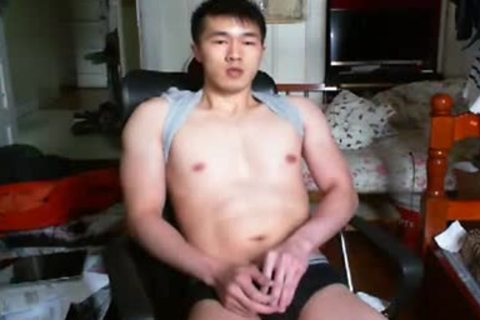 A horny Chinese Hand Job In cam