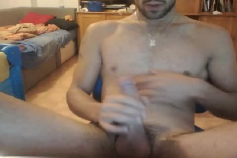 Tom06 Is A French man From worthy. this man Looks Very worthy And his sperm Are Very Creamy !