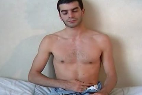 Full video scene: A blameless Delivery guy Serviced His large knob By A guy!