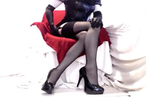 delightsome Seamed nylons And Heels