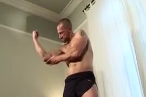 powerful Muscled Rugby daddy Solo cum