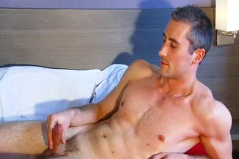 Full clip scene: A innocent str8 Neighbour gets Serviced His large 10-Pounder By A twink!