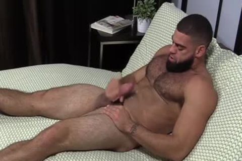 brawny Ricky Larkin jerking off Off while Toes Are Sucked