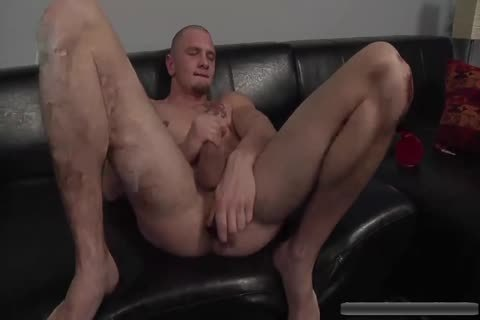 hot dude Jerks Off With toys