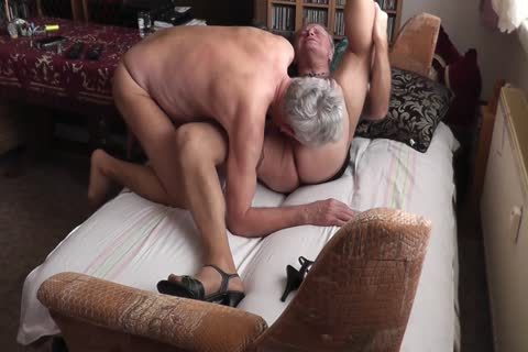dilettante - My daddy friend & I In hose Petting (2 Cams)