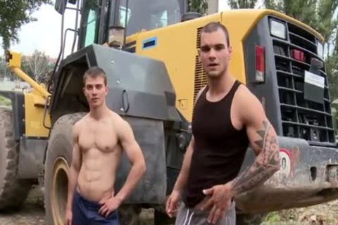 Muscle Daddy butthole job And Facial