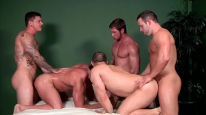 Bubble booties - John Magnum & Connor Maguire ass Hook up