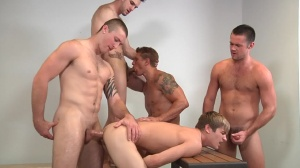 Muscle Worship - Phenix Saint, Johnny Rapid pooper Hook up