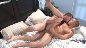 Top To Bottom three - Connor Maguire with Liam Magnuson anal Hump