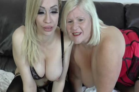 lesbo Gran Eats Out And dildos love juice-hole