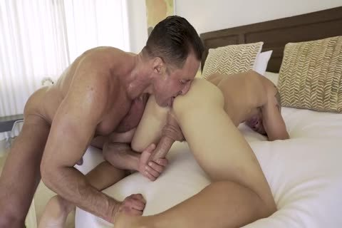 LE Brent Everett Flip-pokes With Nick Capra