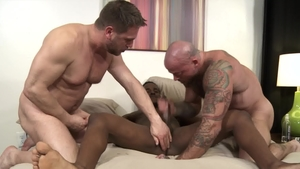 ExtraBigDicks - Huge dick Hans Berlin fucking in the ass