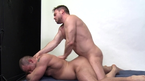 MenOver30: Jaxx Thanatos & Hans Berlin bareback tongue kissing